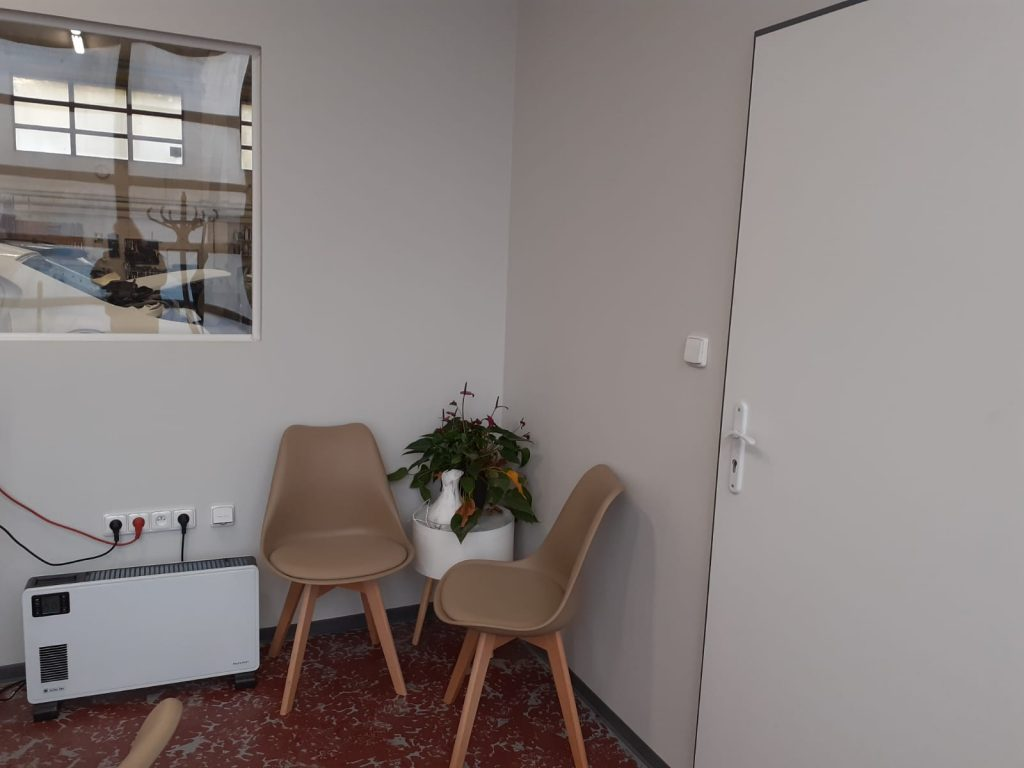 Kancelář lakovny 3